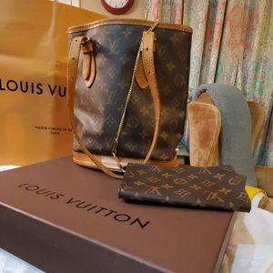 Louis Vuitton Bucket Bag